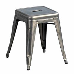 Un tabouret en guise de chevet mobilier canape deco for Meuble 45x45