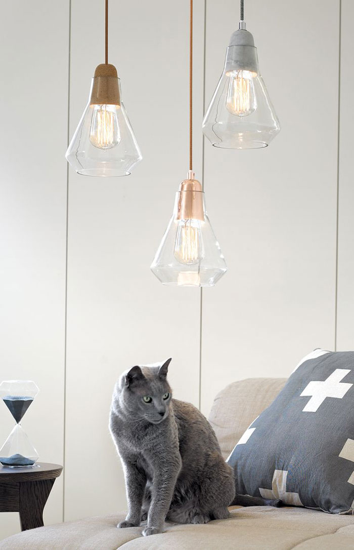 Lumi re sur l ampoule filament mobilier canape deco for Suspension plusieurs abat jour